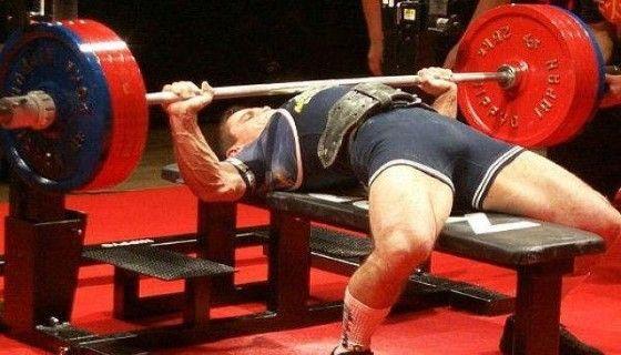 Базовые упражнения для тренировки грудных мышц