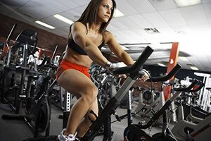 Сколько сжигается калорий на велосипеде и велотренажере