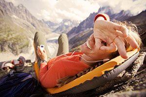 Выбираем самонадувной туристический коврик или матрас в палатку